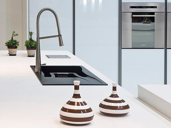 Arctic White Quartz Countertops Kitchen