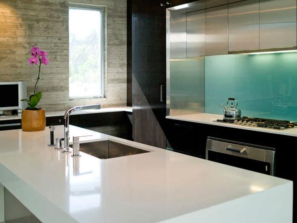 Caesarstone Pure White Quartz Countertops With Sparkle