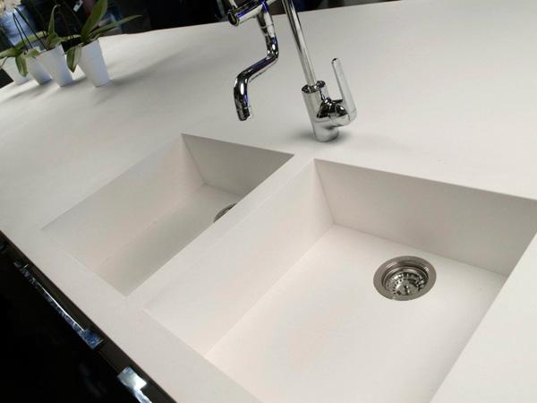 China White Quartz Vanity Top Supplier