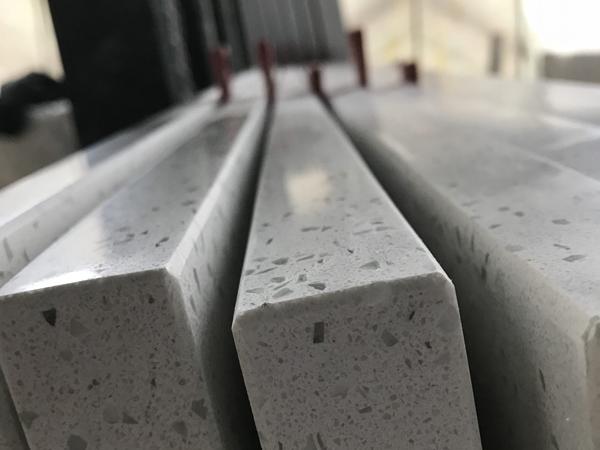 China Crystal White Vogue Java Chip Quartz Stone Slabs
